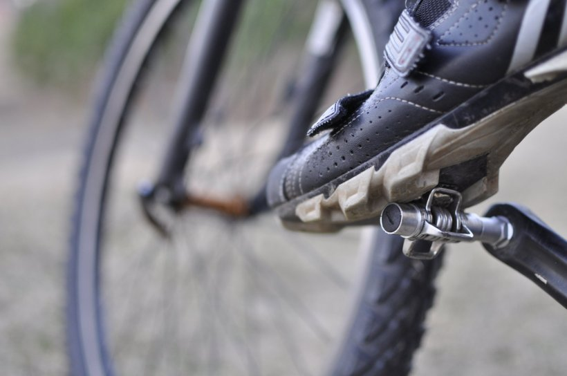 clipless shoe and pedals