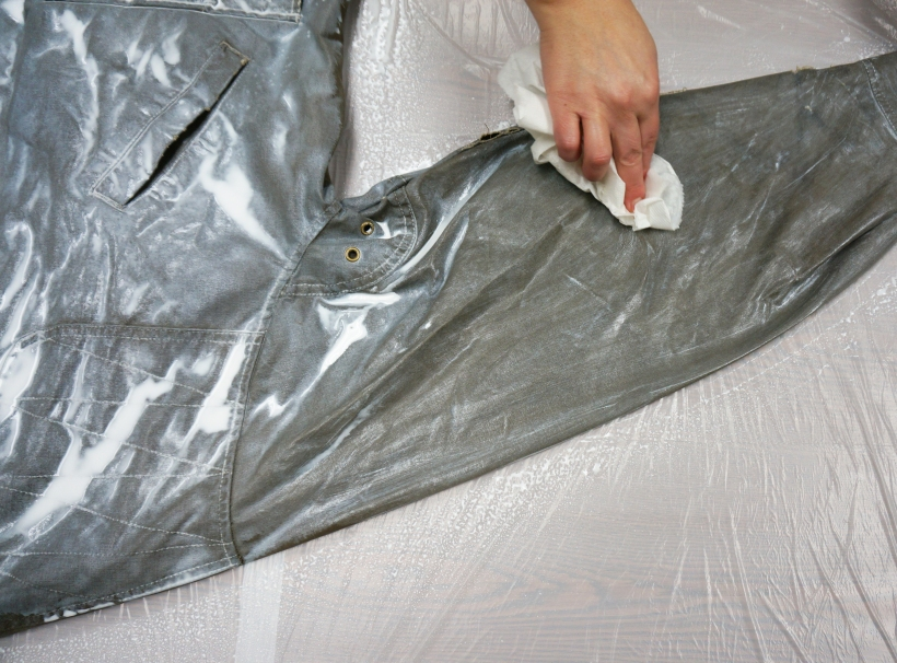 rub in the wax cotton waterproofing