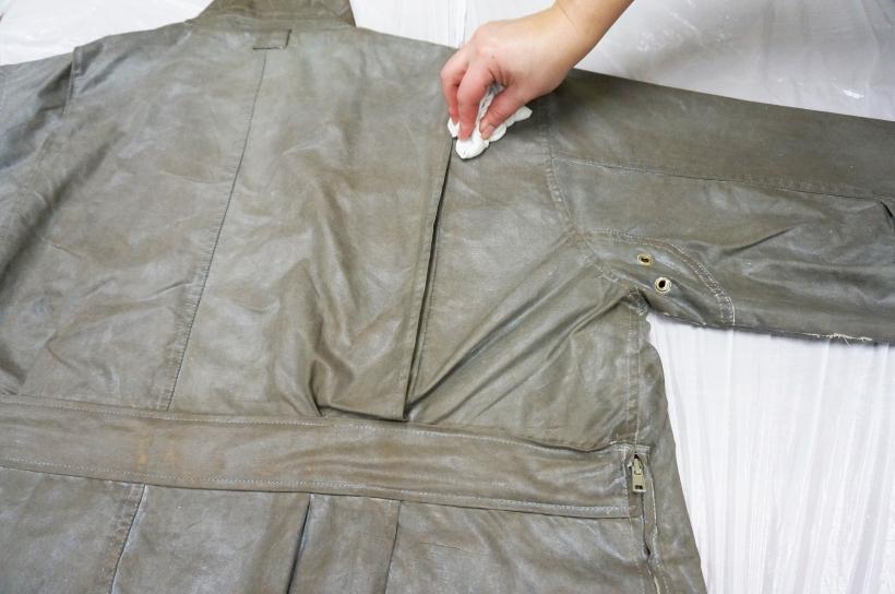 Ensure even wax cotton proof coverage